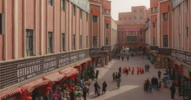 In Xinjiang, Tourism Erodes the Last Traces of Uyghur Culture