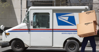 Trump: Postal Service must raise prices on Amazon or 'I'm not signing anything' for USPS federal aid